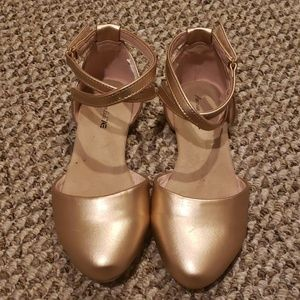 Rose gold metallic dress shoe
